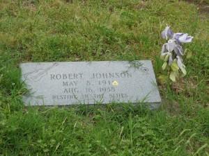 Robert Johnson's second grave